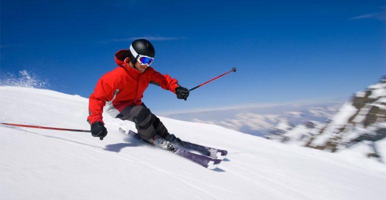 skiing-86491418