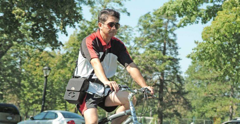 FreeStyle-muškarac-bicikl